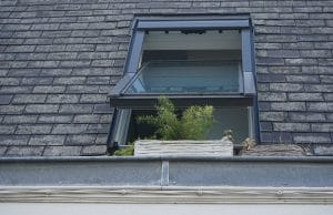 How To Know Whether To Repair or Replace Your Roof